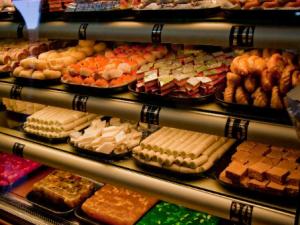 Sweet Shop cum Restaurant shall be treated as extension of restaurant : AAR